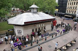 Tkts booth, Leicester Square