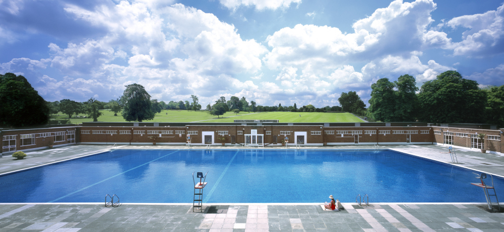 Lidos and outdoor pools in London
