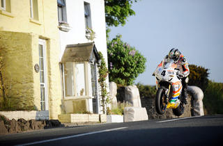 ISLE-OF-MAN-TT-Final-Practice-2010-02.jpg