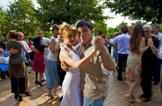 Tango Al Fresco