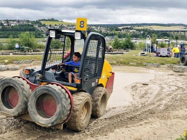 AT_Diggerland_CREDIT_ScottWishart_TOpic.jpg