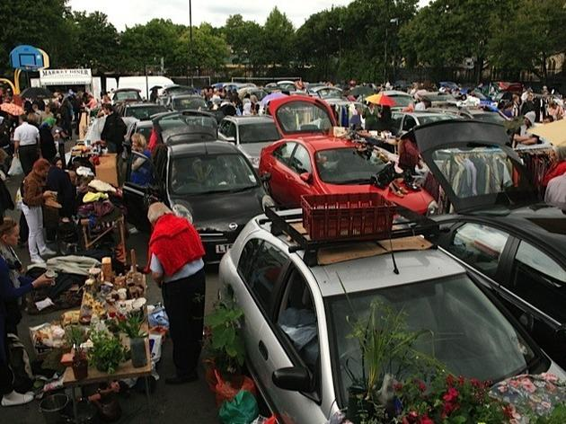 Battersea Car Boot Sale Shopping In Battersea London