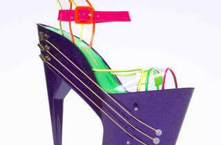 E-shoe_high_heeled_shoe_guitar_c_Chicks_on_Speed.jpg