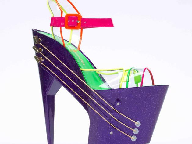 E-shoe_high_heeled_shoe_guitar_c_Chicks_on_Speed.jpg