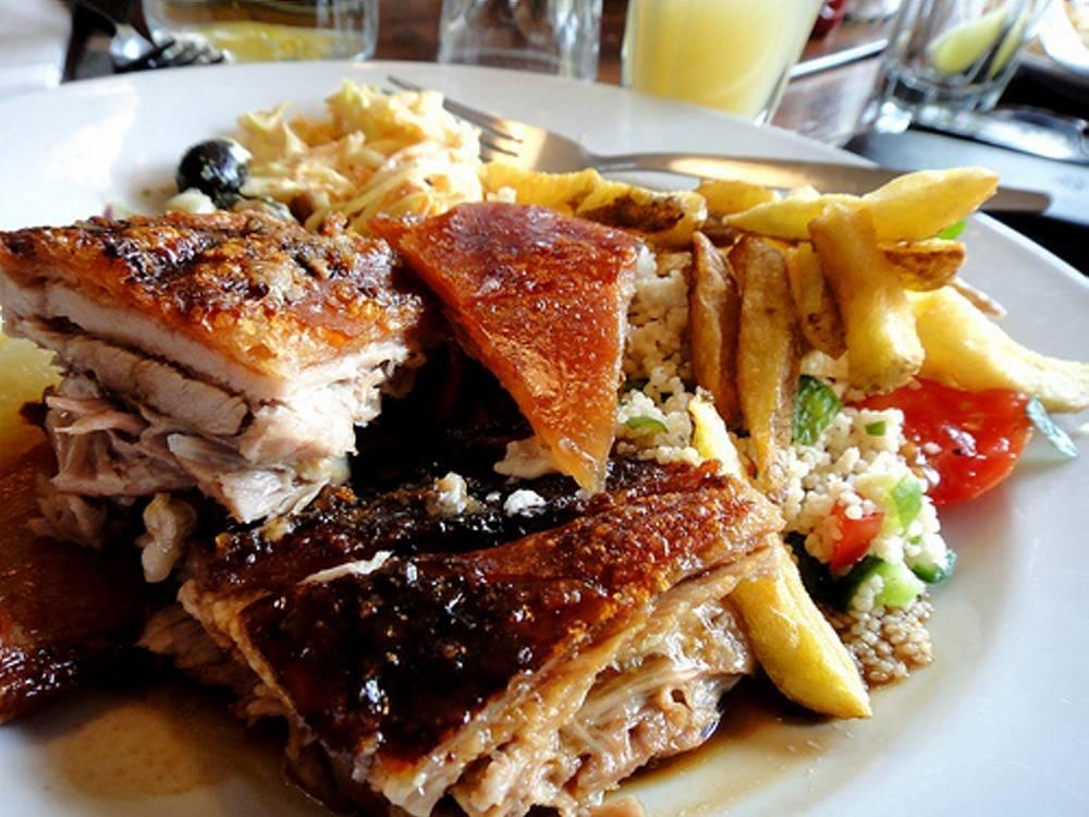 FOOD_RedLionSunBBQ_Press2011_003.jpg