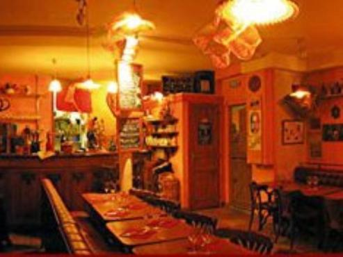 Chez grisette 14 rue houdon 75018 restaurants and caf s time out paris - Restaurant porte maillot chez georges ...
