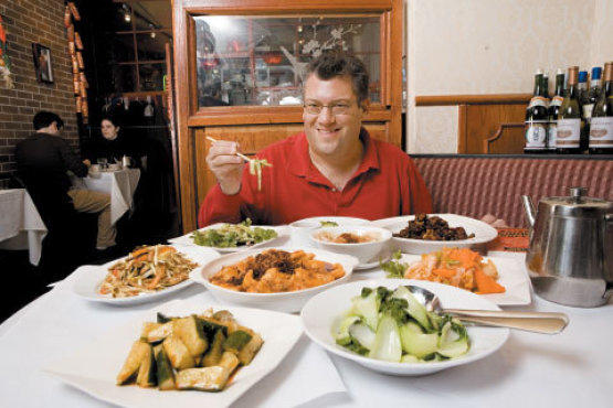 Shaw digs into a Chinese feast at Szechuan Gourmet