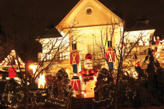 Dyker Heights Christmas LightsPeep 29-foot-tall toy soldiers and an oversize...