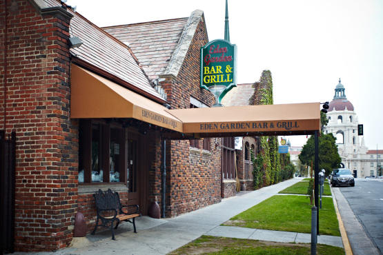 Eden Garden Bar And Grill 175 E Holly St Restaurants