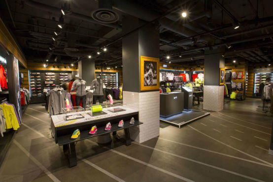 About us. Discover the premium products available at the Nike flagship store at Oxford Circus. Housing the largest sports clothing and footwear department in Europe, Nike Town is .