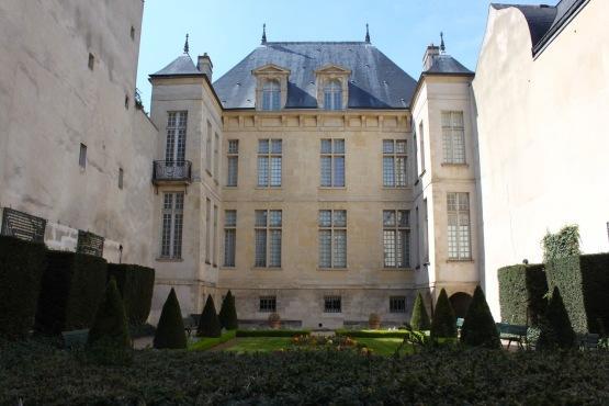 Jardin de l 39 h tel donon for Jardin lazare rachline rue payenne paris 3eme