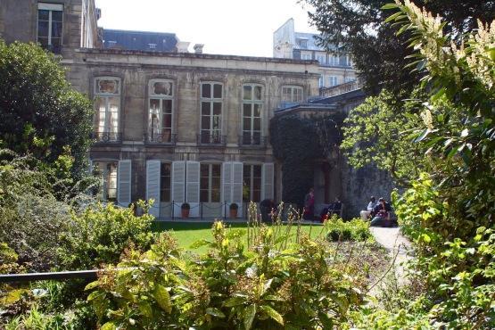 20 parcs jardins secrets et squares historiques du marais for Hotel des jardins paris