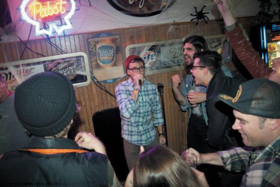from Axl gay bar oak park chicago