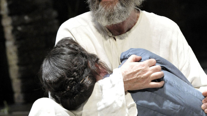 Jonathan Pryce as King Lear, Almeida Theatre. Photo Credit Keith Pattison E.jpg