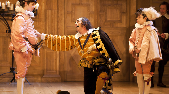 Austin Moulton (Prince Edward of Wales), Mark Rylance (Richard III) and Lorenzo Allchurch (Richard of York) in Richard III at the Apollo Theatre. Photo credit Simon Annand.jpg