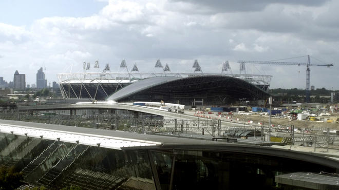 AT_ArchitectureWalks Olympic London_Press2010_CREDIT_Ike Ijeh.jpg